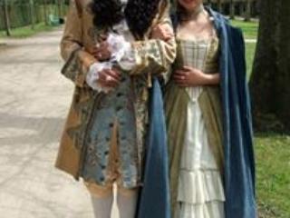 René Werner in der Rolle des Ludwig XIV. Daniela Galbo in der Rolle seiner Nichte, Liselotte v.d.Pfalz.